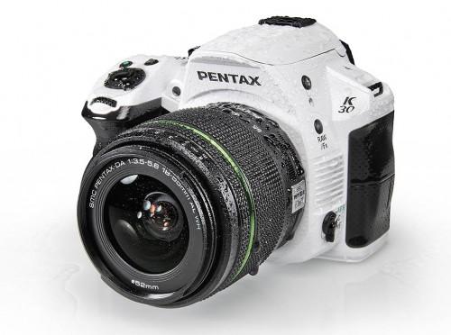 Не только Nikon и Canon выпускают зеркальные фотоаппараты... Снимок взят из каталога компании.